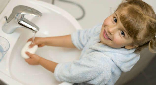 Aprender a lavarse las manos a los niños