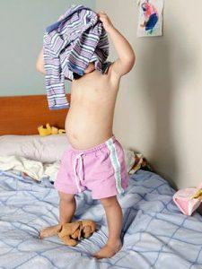 Enseñar a los niños a vestirse