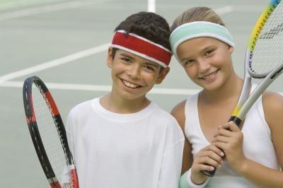 Enseñar tenis a los niños